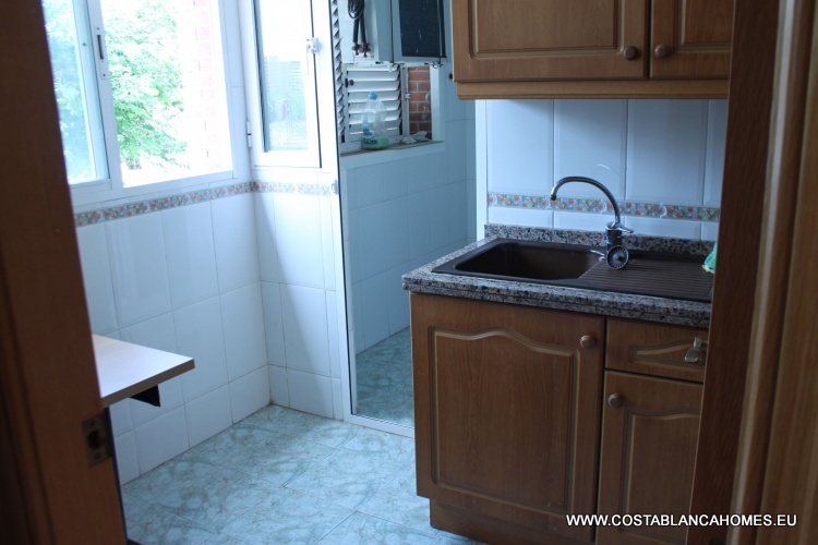 Benidorm appartement r 034 costa blanca - Vliegtuig badkamer m ...